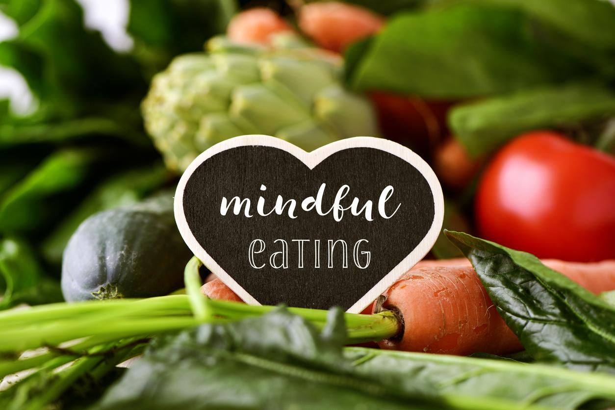 早食いは肥満の元!マインドフルで味わう食べ方なら必ず痩せる。